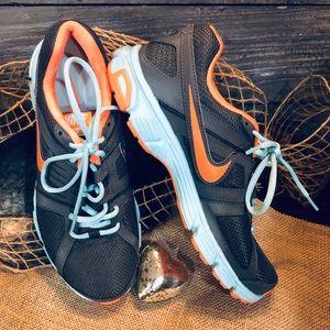 Nike Downshifter 5 Running Shoe In Gray Size 9